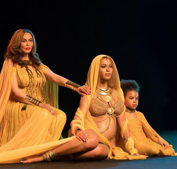 Beyonce's Just Decended From Heaven And Gave The Grammy's The Best Performance Of The Night